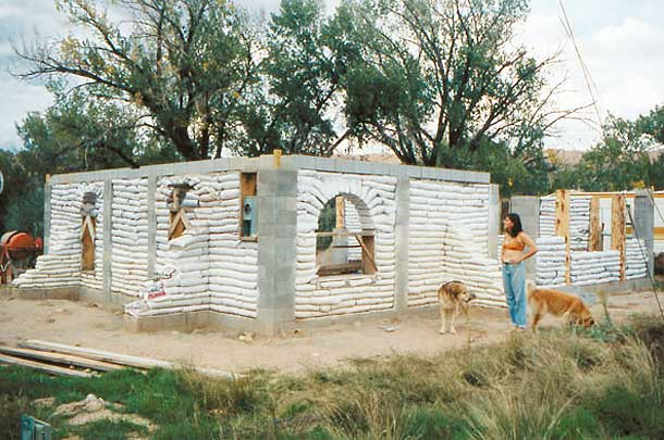 Earthbag Homes Pictures http://www.earthhomesnow.com/earthbag-homes.htm