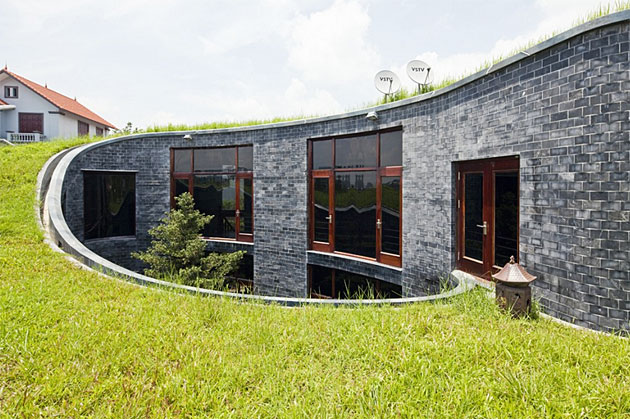Stone homes solid like a rock for Modern stone houses architecture
