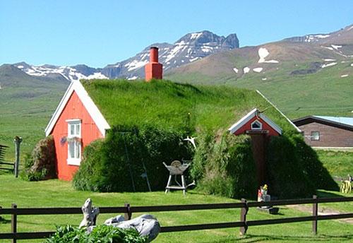 Icelandic Turf Houses - A Short History on iceland homes, icelandic style homes, icelandic turf houses,