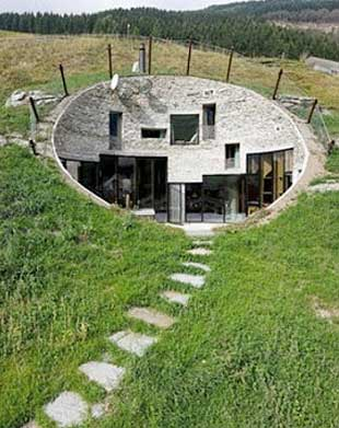 underground homes earth sheltered houses for eco hobbits. Black Bedroom Furniture Sets. Home Design Ideas